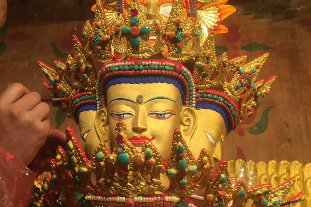 Making of a avolokeshvara statue in Tibet by Tibet Songstan Travel