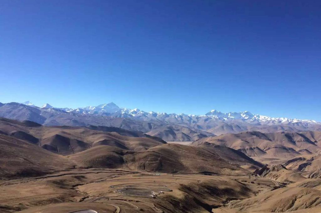 A cycle tour to Everest as eco tourism activity with Tibet Highland Tours