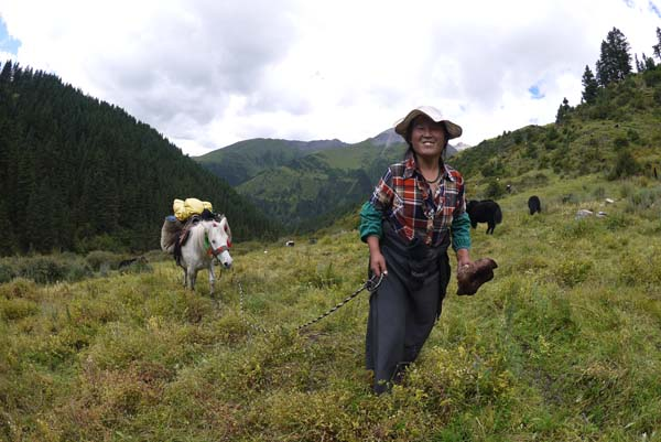 Trola Range-horse-woman