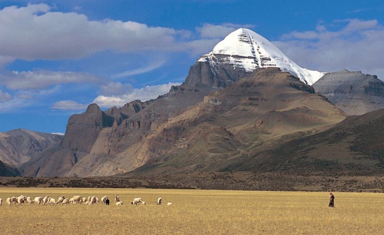 Mount-Kailash, sacred mountain in Tibet