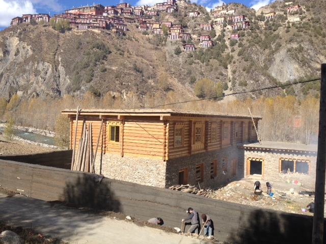 Guesthouse is getting build in Dzongsar, East-Tibet