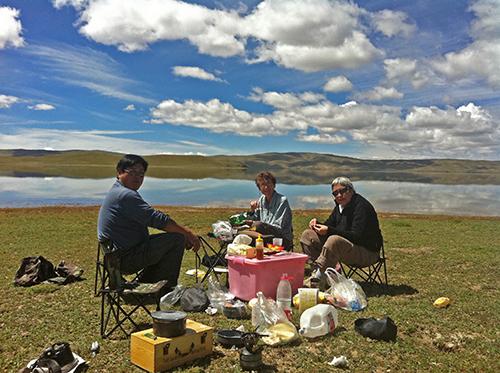 Picnic underway in Amdo, Tibet