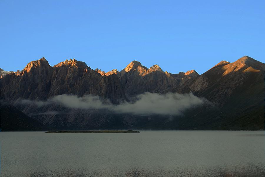 Mt. Nyepo Yurtse peaks Amdo-Tibet